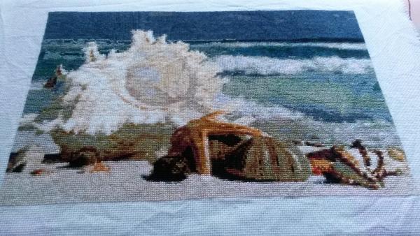 Морской пейзаж является не простым для вышивания, ведь достаточно сложно передать игру света и морских волн