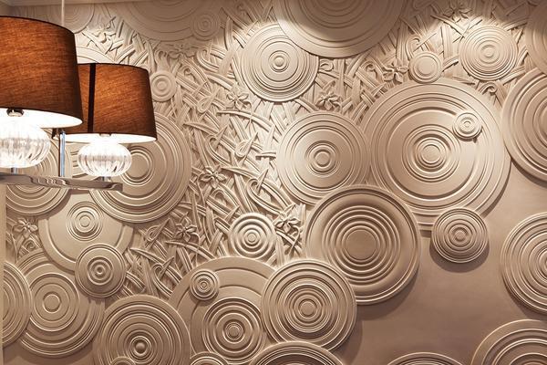 Декоративные панно используются как для внутренней отделки помещения, так и для наружной