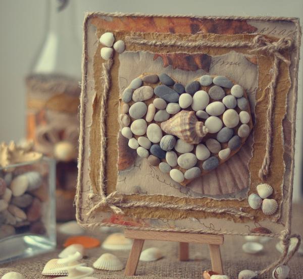 Перед началом работы над панно из камней следует продумать его тематику и подобрать камни или гальку соответствующего цвета и размера