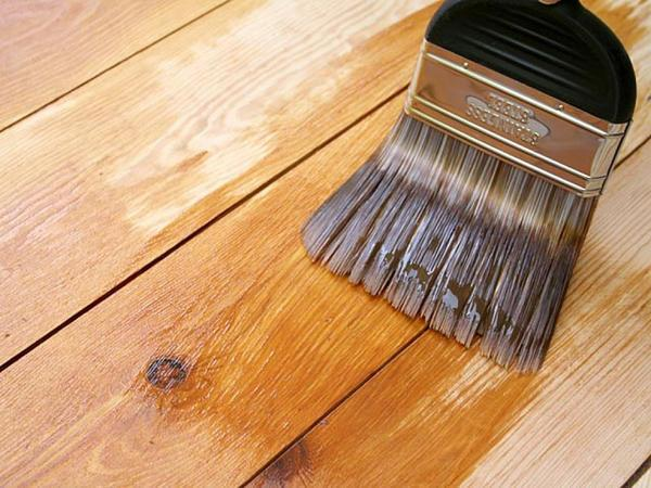 Для сохранности природной красоты дерева и придания ему определённого тона необходимо использовать декоративные пропитки
