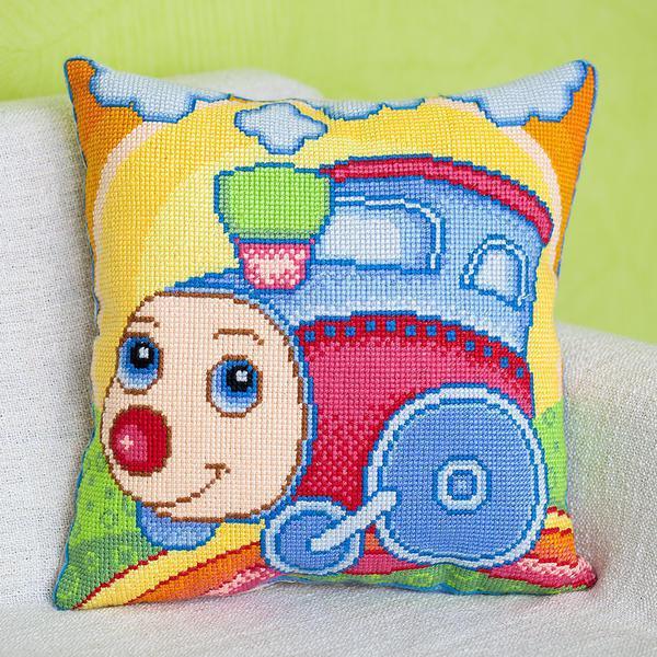 Оформляя подушку для ребенка, всегда подбирайте яркие и креативные рисунки со сказочными или мультяшными персонажами