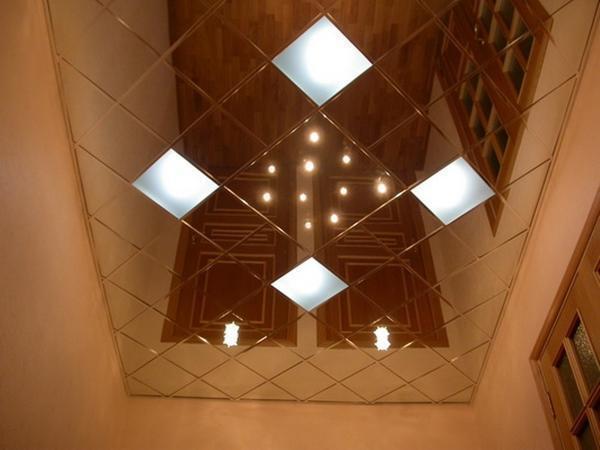 Кассетный потолок целесообразно использовать для помещений с низким потолком