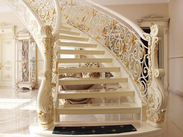Чтобы значительно увеличить срок эксплуатации деревянной лестницы, необходимо подобрать качественные красящие материалы